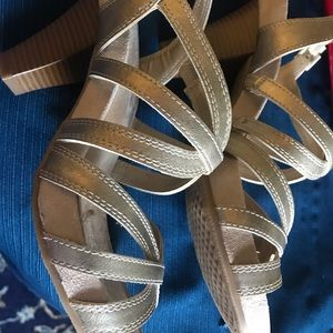 Aerosoles Gold Dress Sandals ; size 7.5